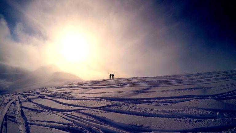 Destination Addict - Skiing in Whistler on a fresh powder day