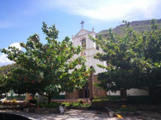 Parque Central and Iglesia in Jordán, hiking in Santander, off the beaten path in Colombia